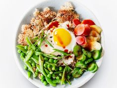 Crispy Rice Bowl With Spring Vegetables Recipe Chimichurri, Korean Bibimbap, Brunch, Vegetarian Chili, Vegetarian Recipes, Seafood Recipes, Snap Peas, On Repeat, Vegetarian Food