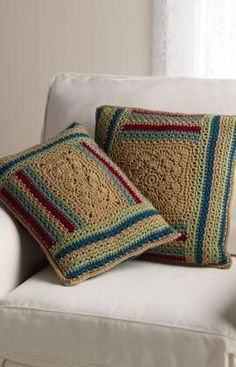Log Cabin Variations Pillows - free pattern from Red Heart Yarns.