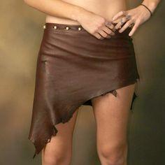 Crimson Imp Deer Haut Burgundy Leather Skirt von SnakeFootTribe