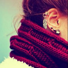 want this earring!