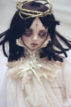 Fantasy | Whimsical | Strange | Mythical | Creative | Creatures | Dolls | Sculptures | Ooak Dolls, Blythe Dolls, Beautiful Dolls, Barbie, Scary Dolls, Gothic Dolls, Doll Repaint, Monster High Dolls, Ball Jointed Dolls