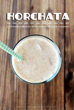 Horchata es un bebida con arroz y canela.  Muchos postres mexicanos tiene canela y otros ingredientes que usa por comidas de almuerzo y cine tambien.  Yo nunca pensaba sobre usando arroz para un bebida en el verano! | https://lomejordelaweb.es/