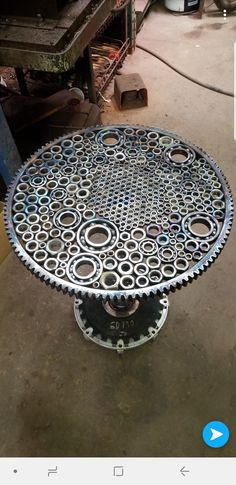 Determinant revitalized diy welding projects over at this website Welding Art Projects, Metal Art Projects, Diy Welding, Modern Industrial Furniture, Unique Furniture, Furniture Online, Car Part Art, Car Parts Decor, Deco Cool