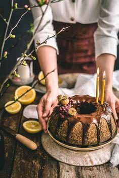 Maková bábovka Tiramisu, Ham, Ethnic Recipes, Food, Lemon, Hams, Essen, Meals, Tiramisu Cake