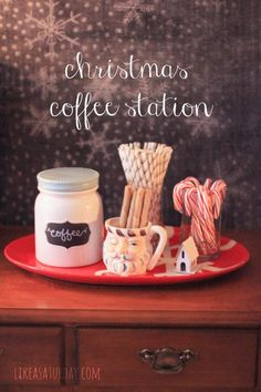 Christmas coffee station Christmas Coffee, Christmas Time, Hot Chocolate Bars, Hot Cocoa Bar, Christmas Entertaining, I Love Coffee, Coffee Cafe, Christmas Goodies, Xmas