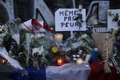 14.11 Les témoignages de soutien et d'affection se sont multipliés à Paris, au lendemain d'une terrible série d'attaques terroristes dans la capitale française.Photo: AFP/Kenzo Tribouillard