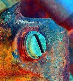 La rouille ne dort que d'un oeil. / Old rusty Machine. Rust Never Sleeps, Rust In Peace, Rusted Metal, Peeling Paint, Ex Machina, Foto Art, Beautiful Textures, Rust Color, Abstract Photography