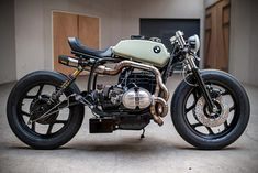 Moto : BMW cafe racer by Ironwood Motorcycles Bmw Cafe Racer, Cafe Racer Motorcycle, Moto Bike, Motorcycle Design, Motorcycle Style, Cafe Racers, Bike Bmw, Women Motorcycle, Motorcycle Quotes