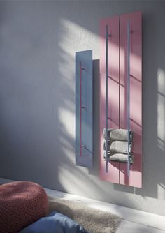 Aluminium wall-mounted towel warmer Teso by Antrax, design by Benini e Gonzo Club Design, Gym Design, Studio Design, Eclectic Bathroom, Bathroom Interior, Industrial Office Design, Gym Room, Towel Warmer, Beauty Salon Interior