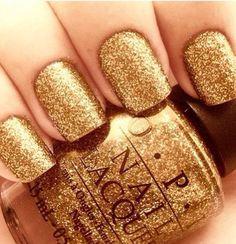 Gold nail polish #blingbling #manicura #uñas