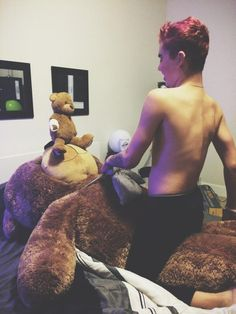 Omg can I please be this bear? Can I Please, I Can, Sam Pottorff, Jc Caylen, O2l, I Laughed, Sexy, Youtube, People