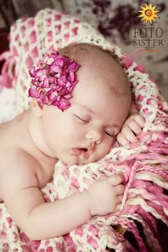 Baby-Reminds me of my sweet girl!!! @Anne Heack-Beautiful Babies.