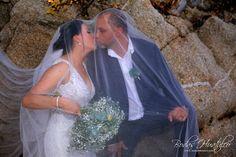 Hermoso velo para novia -Bodas Huatulco Edwin, Beach Wedding Hair, Wedding Hairstyles, Wedding Dresses, Hair Styles, Fashion, Husband Wife, Bridal Veils, Wedding Hair Styles