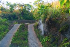 The rugged road to the Mount Yasur volcano is already steaming!