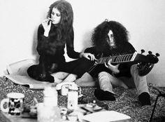 Sie war das Pinup-Girl der Apo. Ihre Liebhaber hießen Mick Jagger oder Keith Richards, als bekanntestes Mitglied der Kommune 1 war sie der schönste Bürgerschreck der Bundesrepublik. Heute feiert Uschi Obermaier ihren 70. Geburtstag. Eine Gratulation in Bildern…..Traumpaar der Studentenbewegung: Uschi Obermaier und der Kommunarde Rainer Langhans.