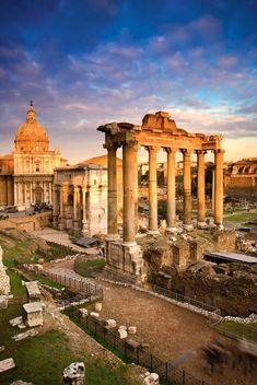 Popular tourist destinations In Rome. Ok so you want to visit one of the most breathtaking cities in the world, aka Rome, the question is, what tourist attractions can you see in Rome and what is their history Ancient Ruins, Ancient Rome, Historical Architecture, Ancient Architecture, Places To Travel, Places To See, Italy Destinations, Best Of Italy, Sicily Italy