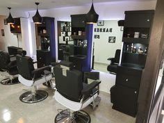 Beauty Salon Interior, Salon Interior Design, Salon Design, Cafe Interior, Barbershop Ideas, Barbershop Design, Home Beauty Salon, Salon Trolley, Salon Stations