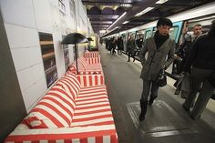 IKEA replaced benches with home furnishes in Paris metro stations. Talk about brand experience! Experiential Marketing, Guerilla Marketing, Striped Couch, Out Of Home Advertising, Metro Paris, Moving Company Quotes, Bill Cosby, Metro Station, Champs Elysees