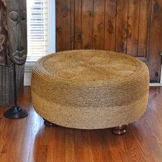 Make a rope pouf from an previous tire ~ DIY Tire Furniture, Trendy Furniture, Sisal, Rope Tire Ottoman, Tire Craft, Reuse Old Tires, Furniture Makeover, Diy Home Decor, Craft Ideas