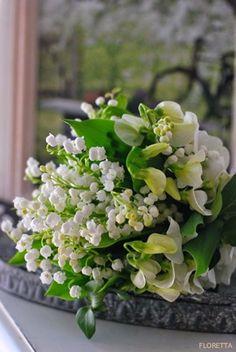 Pourquoi offre t-on du Muguet au 1er Mai ? Symbolique de la joie, de l'affection et de l'amitié, fleur porte-bonheur....autant de raisons d'offrir quelques brins de muguet à notre entourage. Ce que je vous offre virtuellement !. BOARD: https://fr.pinterest.com/bettinael/happy-diy/