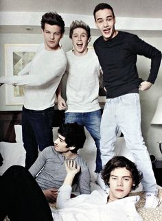 Twitter / ALLFACTS1DX: 1D Photoshoot :) Harry: what are these people doing?  Niall and Liam: yay let's put like we're having the time of our lives! Louis: can you handle this much sass? Zayn: yo I look really good in that mirror