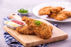 This classic crispy chicken katsu is easy to make. You can try make it by yourself at home and the ingredients are quite simple. Katsu Curry Recipes, Chicken Katsu Curry, Ramadan Recipes, Japanese Dishes, Crispy Chicken, Chicken Recipes, Food Photography, Rolls, Butter