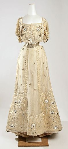 Evening Dress 1905, French, Made of silk