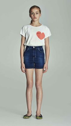 Love Nikita STUDDED HEART TSHIRT LN-404