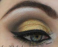 winter guard eye make up idea Love Makeup, Diy Makeup, Makeup Art, Makeup Tips, Beauty Makeup, Makeup Looks, Crazy Makeup, Prom Makeup, Up Halloween Costumes