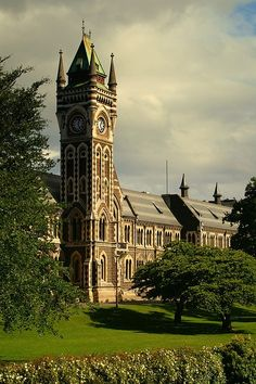 The Clocktower of Otago University, New Zealand's oldest university in Dunedin (by setev). Places To Travel, Places To See, Places Ive Been, Beautiful World, Beautiful Places, Amazing Places, Dunedin New Zealand, New Zealand South Island, Chapelle