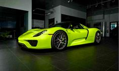 Stunning 'Acid Green' Porsche 918 Spyder Looking For A New Home Porsche 918 Spyder, Porsche Cars, Motor Works, Most Expensive Car, Old Models, Hot Cars, Cars And Motorcycles, Luxury Cars, Cars