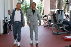 Спортивные штаны Путина за 94 000 рублей