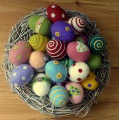Felt easter eggs Set of 6 eggs Bunte Filzeier ., Winter ade, Ostereier husch, husch ins Nest. Wet Felting, Felted Soap, Felt Crafts, Easter Crafts, Fabric Crafts, Needle Felting Tutorials, Felt Fairy, Felted Slippers, Egg Decorating
