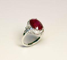 Bague rubis et diamants baguettes, demi lunes et brillants. création et fabrication ilithé