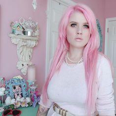 Kelly Eden in Pastel Pink oVertone