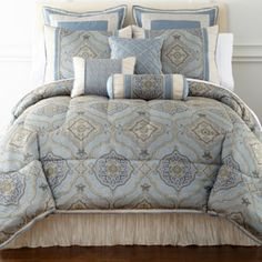 OK, I just love this pattern and colors. Plus it has window topper. Perfect candidate for lower bedroom? Victoria Falls Jacquard Comforter Set & Accessories found at Queen Comforter Sets, Bedding Sets, Bedroom Furniture, Bedroom Decor, Bedroom Ideas, Furniture Ideas, New Beds, Bed Covers, Comforters