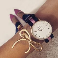 We' re absolutely in love with the Daniel Wellington watches! They're beyond fashionable and so easy to wear and mix! Bracelet Nato, Bracelet Cuir, Uppsala, Westfield Shopping, Dw Watch, Daniel Wellington Watch, Gift Of Time, Sunglasses, Necklaces