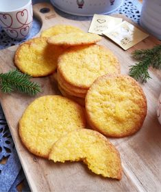 Christmas Sweets, Christmas Baking, Candy Recipes, Sweet Recipes, Grandma Cookies, Just Eat It, Foods To Eat, Food Inspiration, Biscotti