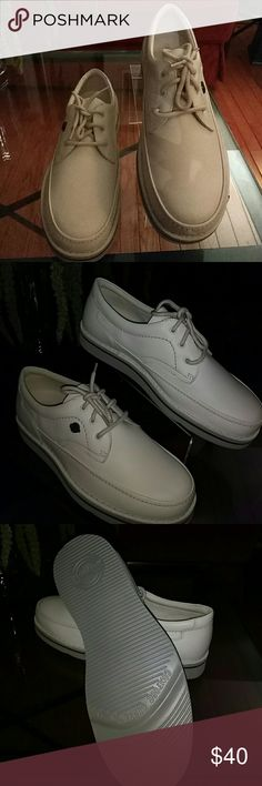 """Hush Puppies """"The Body Shoe"""" Walking Shoes NEW Leather Bone/Cream Walking Shoes Hush Puppies Shoes Boat Shoes"""