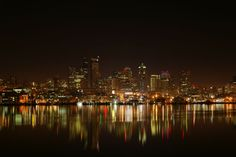 Seattle, WA : Downtown Seattle from Gas Works Park on Lake Union - breathtaking!