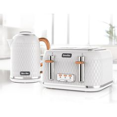Our Curve Collection Toaster is Chic yet High-Quality. Uniquely Designed but also Feature-rich, This Toaster has everything you need for feeding the family. Get Off Matching Toaster and Kettle Sets Today! Small Kitchen Appliances, Kitchen Gadgets, New Kitchen, Kitchen White, Kitchen Tools, Copper Kitchen Accents, High Gloss White Kitchen, Copper Appliances, Kitchen Items