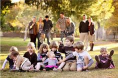 now this is what all family photos really look like with the grandchildren - and i love it :) Large Family Photography, Large Family Portraits, Large Family Poses, Family Picture Poses, Family Photo Sessions, Family Posing, Large Families, Large Family Photo Shoot Ideas Group Poses, Photography Ideas