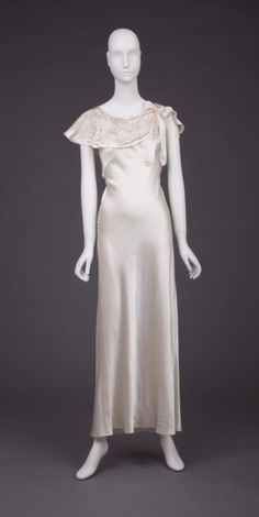 Nightgown, 1930s, The Goldstein Museum of Design