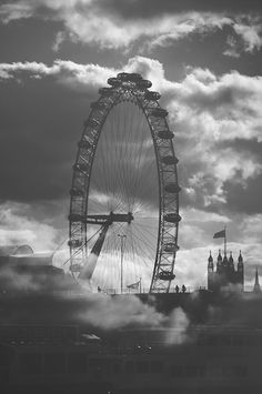 Black and White Photography Techniques to Help You Out – PhotoTakes Black And White Clouds, Black N White, Black And White Pictures, City Photography, Digital Photography, Cool Pictures, Cool Photos, End Of The World, Black And White Photography