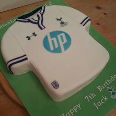 Tottenham hotspurs shirt cake