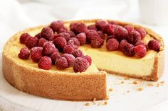 I make this cheesecake with thin cream instead of sour cream and add hazelnuts to the base for extra flavour! New York Baked Cheesecake, No Bake Lemon Cheesecake, Baked Cheesecake Recipe, Classic Cheesecake, Homemade Cheesecake, Raspberry Cheesecake, Köstliche Desserts, Dessert Recipes, 50th Cake