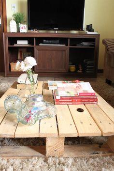 pallet na mesinha de centro - http://saladadacasa.blogspot.com.br/