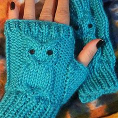 Ravelry: Owl Fingerless mitts pattern by Barbra Szabrowicz Knitting Patterns Free, Knit Patterns, Knitted Owl, Fingerless Gloves Knitted, Knit Hats, Quick Knits, Mittens Pattern, Etsy, Cable Needle