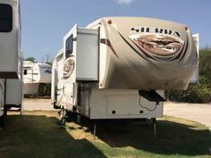 2013 Used Forest River Sierra Fifth Wheel in Texas TX.Recreational Vehicle, rv, 2013 Forest River Sierra, 2013 Forest River Sierra 366FL 37' UVW:12244lbs High gloss gel coated exterior fiberglass Aerodynamic fiberglass front cap with improved turning radius Docking station: easy winterization hot and cold spray port black Tank flush pull valves for tanks Enclosed and heated dump valves Large tinted windows with 80/20 UV prohibitor Alko auto adjust brakes Hickory Springs radius triple steps…