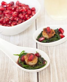Healthy New Year's Eve Appetizer - Pomegranate Scallop Spoons #NYE #appetizer #recipe